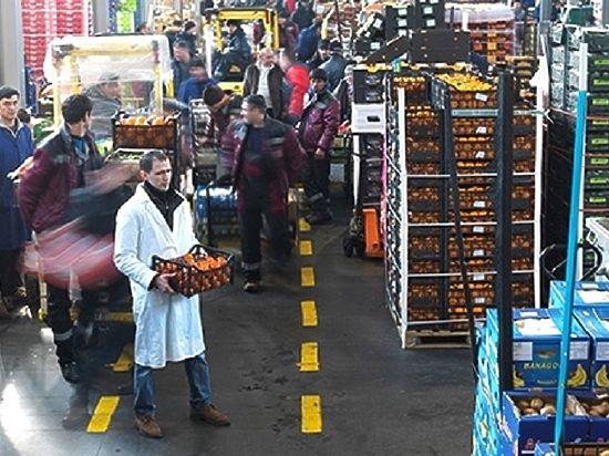 Ушли на базу: как миллиардеры снабжают Москву овощами и фруктами