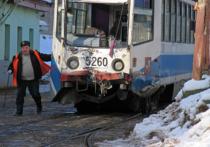 К столкновению трамваев в Москве привел сильный снег