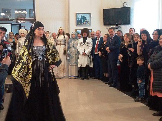 Ювелирная выставка открылась в Махачкале в день  профессионального праздника